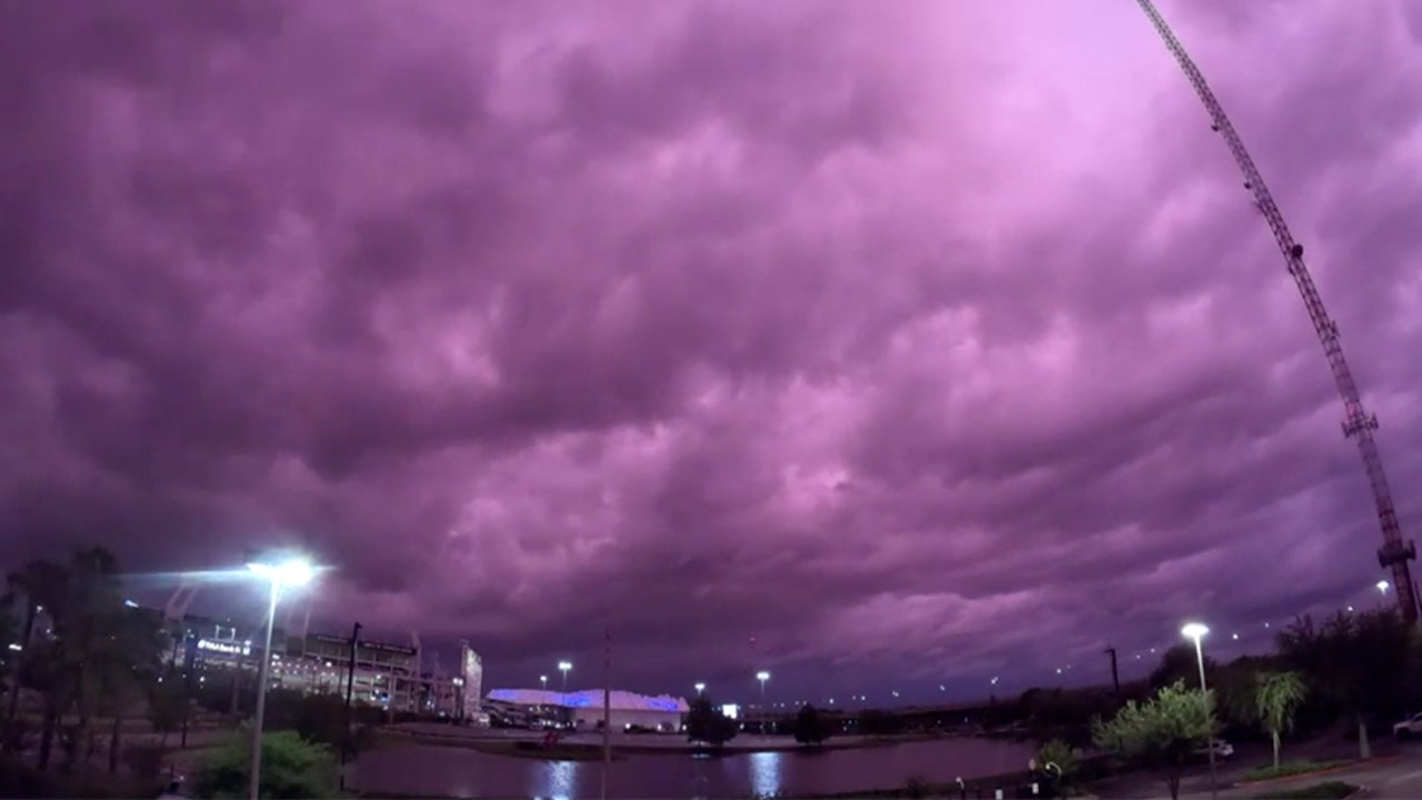 Purple Skies Seen in Florida After Hurricane Dorian