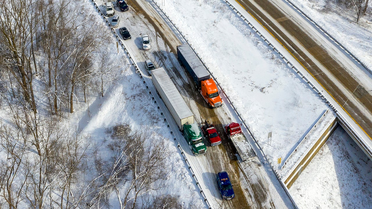 Westbound I-196 is shut down after a multiple vehicle pile-up over Butterworth St. SW in Grand Rapids, Michigan, on Tuesday, March 5, 2019. Police are working to divert traffic onto Lake Michigan Drive, or M-45. (Cory Morse/The Grand Rapids Press via AP)