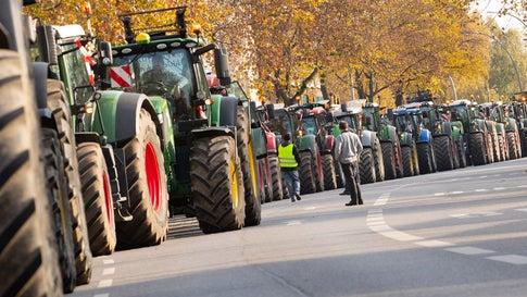 Protest in Hamburg: mit 3500 Traktoren gegen Umweltauflagen
