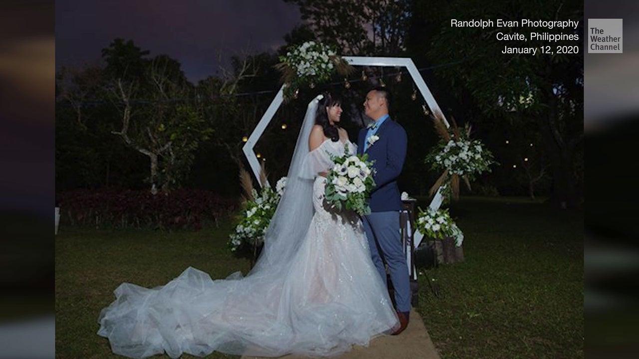 Ein Pärchen auf den Philippinen hat wirklich allen Widerständen zum Trotz seine Hochzeit durchgezogen: selbst eine Naturkatastrophe konnte die beiden nicht aufhalten.
