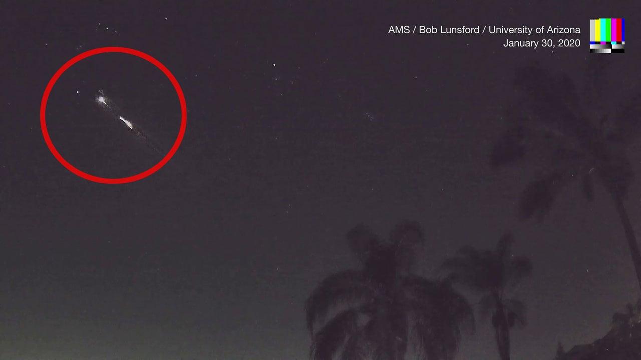 Über den Himmel von Südkalifornien zieht plötzlich ein grell leuchtendes Objekt. Doch selbst Experten sind sich nicht sicher, um was es sich dabei handelt.