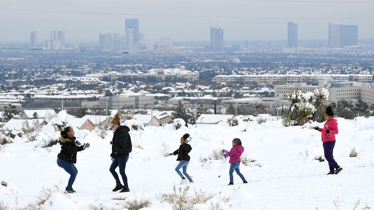 Winter Storm Closes Arizona Airport Las Vegas Ties 70 Year Old Snow Record