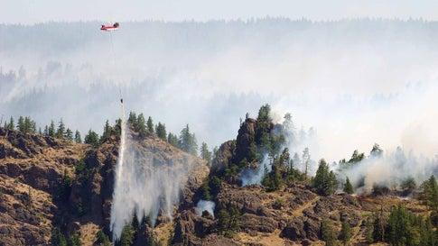 Western Wildfires Rage: 22 Homes Evacuated in Fire Near Mt. Rainier