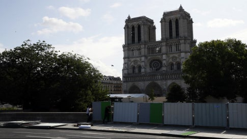 Extreme Heat Wave Caused Stones to Fall from Notre Dame Cathedral Ceiling