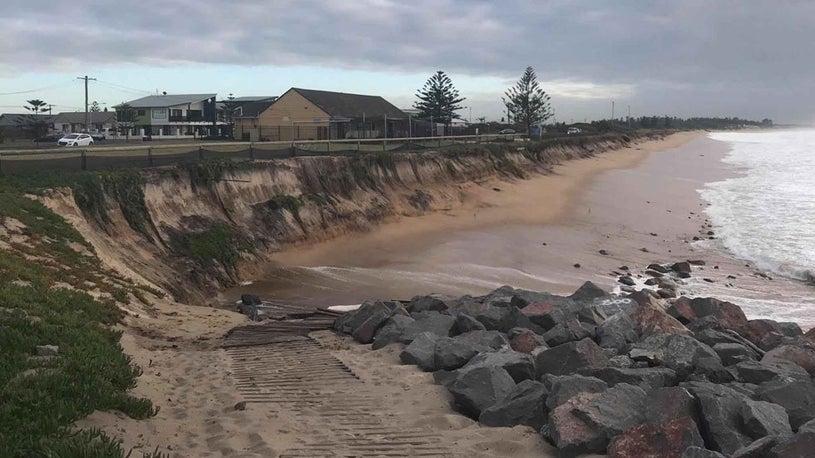 Australian Beach Town in Danger of Washing Away
