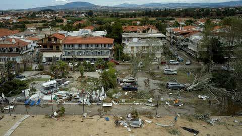 Griechenland, Sozopoli: Blick auf die Sturmschäden im Dorf Sozopoli.