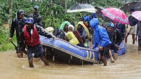 100 Tote nach Monsununwettern in Indien