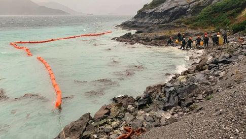 Ölpest in unberührter Natur: 40.000 Liter Diesel in Patagonien ins Meer gelaufen