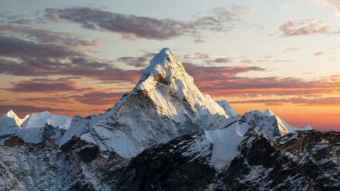 Wie hoch ist der Mount Everest nun wirklich? Verschiedene Länder sind zu unterschiedlichen Messergebnissen gekommen. Die Antwort auf die Frage hat auch politische Gründe.