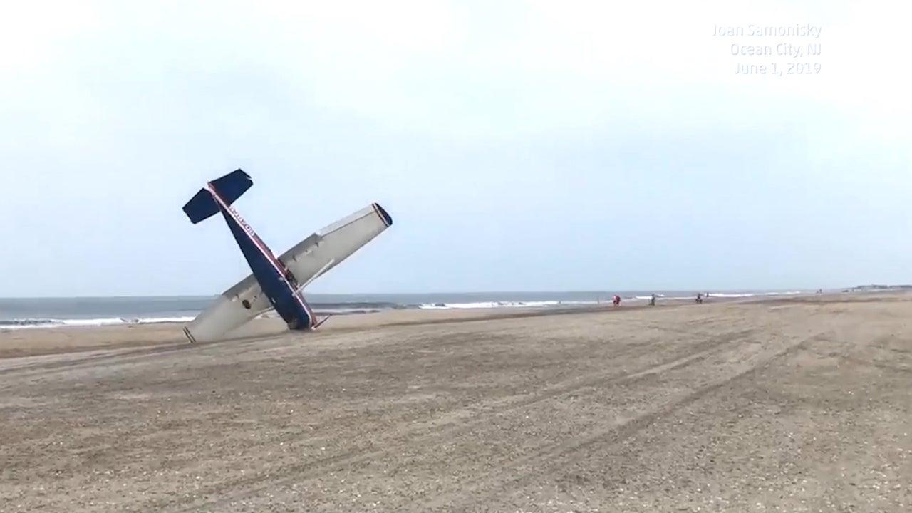 Ein Kleinflugzeug musste aus bisher unbekannten Gründen in Ocean City in New Jersey notlanden. Die Landung auf dem Strand geht beinahe schief.