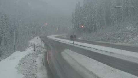 Hwy 5, southbound at Zopkios Rest Area, near the Coquihalla Summit, looking northeast. November 20, 2017. (Source: Drive BC)