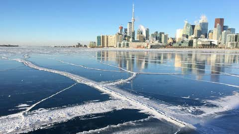Parts of Lake Ontario frozen over following a cold snap in the GTA. Jan. 5, 2018. CITYNEWS/Tony Fera