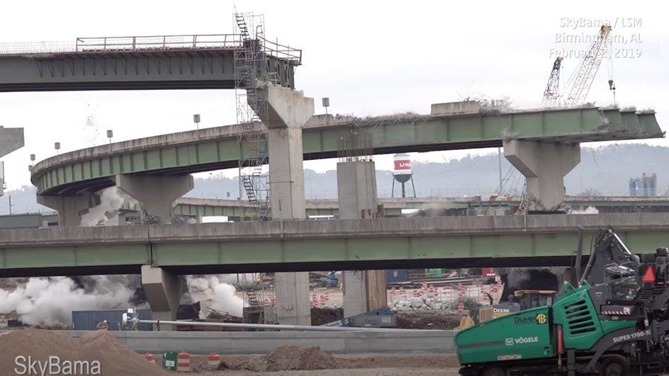 Espectacular demolición de puente en Alabama