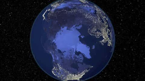 El polo norte, de noche. NASA / NOAA / SPL vía GETTY