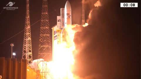 Ariane 5, lors de son décollage de Guyane, le 25 septembre 2018 (ESA)