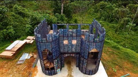 Robert Bezeau compte bâtir un village autour, sur le même modèle. (Crédit MEL Films)