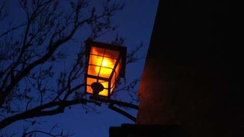 Un britannique a développé un mini-méthaniseur pour alimenter un lampadaire. (CCO)