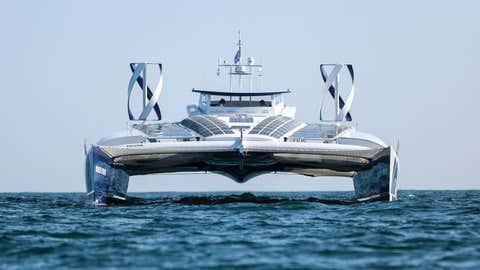 Le bateau est visible au salon nautiquequi a lieu dans la capitale. (Energy Observer/DR)
