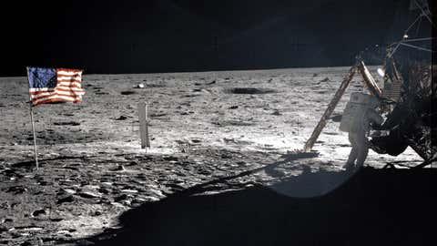 Les grains lui auraient été offerts par Neil Armstrong en personne. (Nasa)