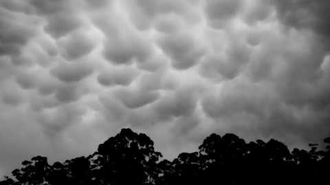 Ces nuages sont le signe d'orages imminents. (CCO)