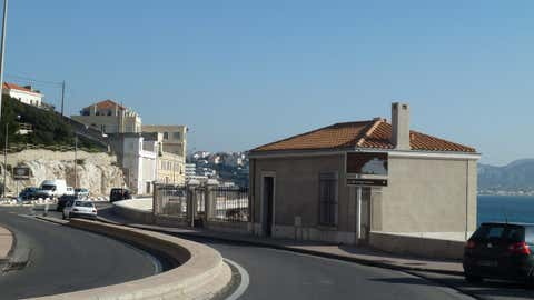 Le bâtiment abritant l'instrument depuis 1884, au 174 de la Corniche Kennedy, à Marseille. (CCO)