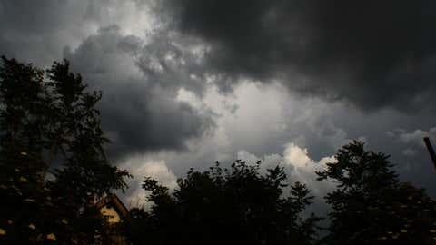 L'intensité des épisodes orageux attendus invite à la prudence. (CCO)