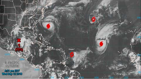 Dans l'hémisphère Nord, six phénomènes violents sont en cours simultanément. (capture Facebook Nasa Hurricane)