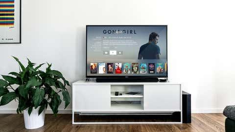 Votre téléviseur, ou vos chaussures, polluent sûrement bien plus que vous ne le pensez. (CCO)