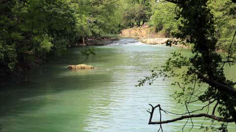 9 rivières sur 10 en France seraient contaminées par des pesticides. (CCO)