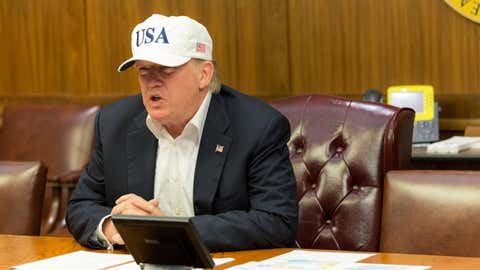 Prononciation, calcul, dessins : Donald Trump a obtenu un score de 30 sur 30. (Maison Blanche/Shealah Craighead)