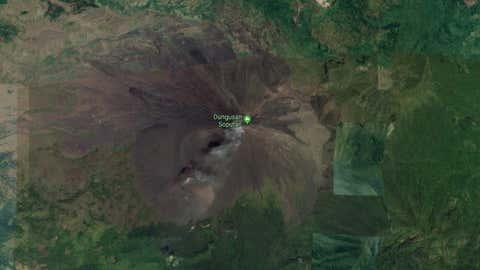 Le volcan Soputan s'est réveillé mercredi. (Capture Google Maps)