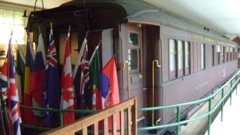 La signature a eu lieu dans un wagon, à Rethondes (Oise), à 5 h 15 du matin, le 11 novembre 1918. (CCO)