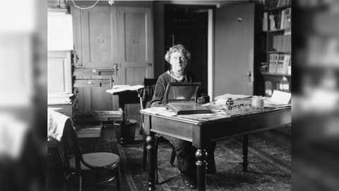 Annie Jump Cannon at her desk at the Harvard College Observatory. (Smithsonian Institution)
