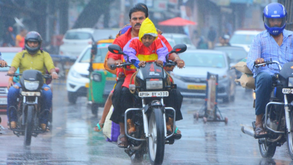 Cyclone Phethai to Hit Kakinada, AP, Today Afternoon; 350 Villages on High Alert
