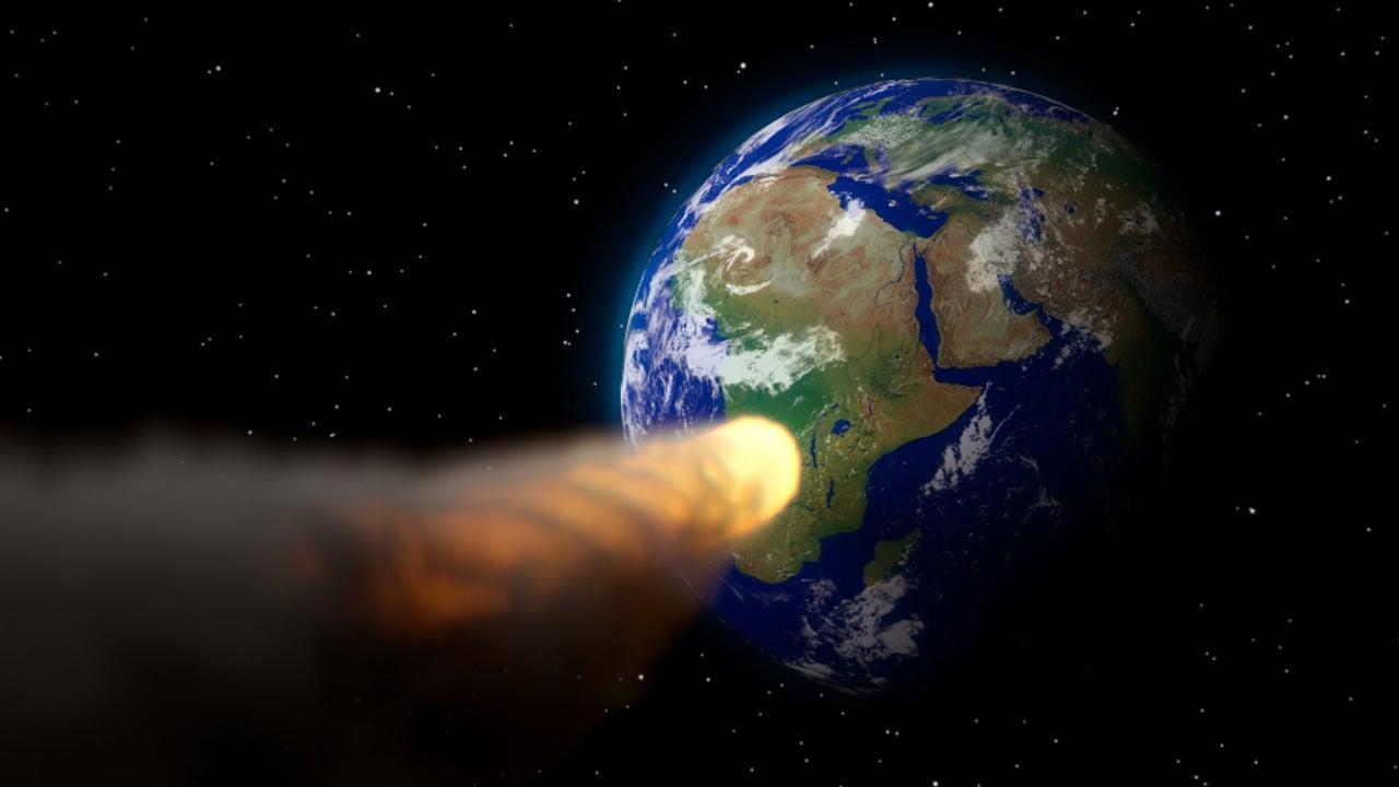 """Mit einer Wahrscheinlichkeit von 1:152 könnte der Gesteinsbrocken 2084 die Erde treffen und gewaltigen Schaden anrichten. Für die ESA hat der gefährliche """"2019 SU3"""" jetzt Priorität – er wird streng beobachtet."""