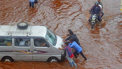 A vehicle was struck due to excessive waterlogging at LBS Road in Kurla. (Sanjay Hadkar/TOI, BCCL, Mumbai)