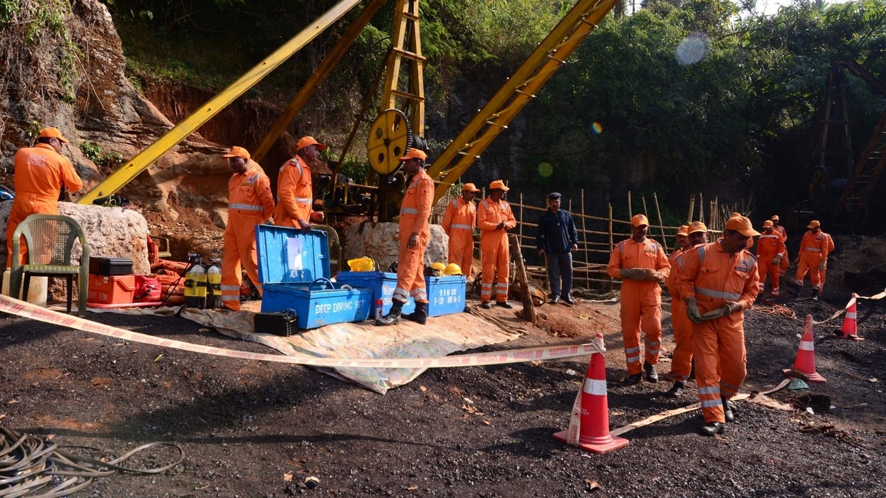 The decomposed bodies were recovered between Thursday night and Friday morning from the mine in Kulti area of West Burdwan district.
