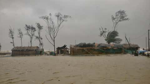 Cyclone Yaas hits India's eastern coastal town in Digha. (Jayanta Shaw/TOI, BCCL, Kolkata)