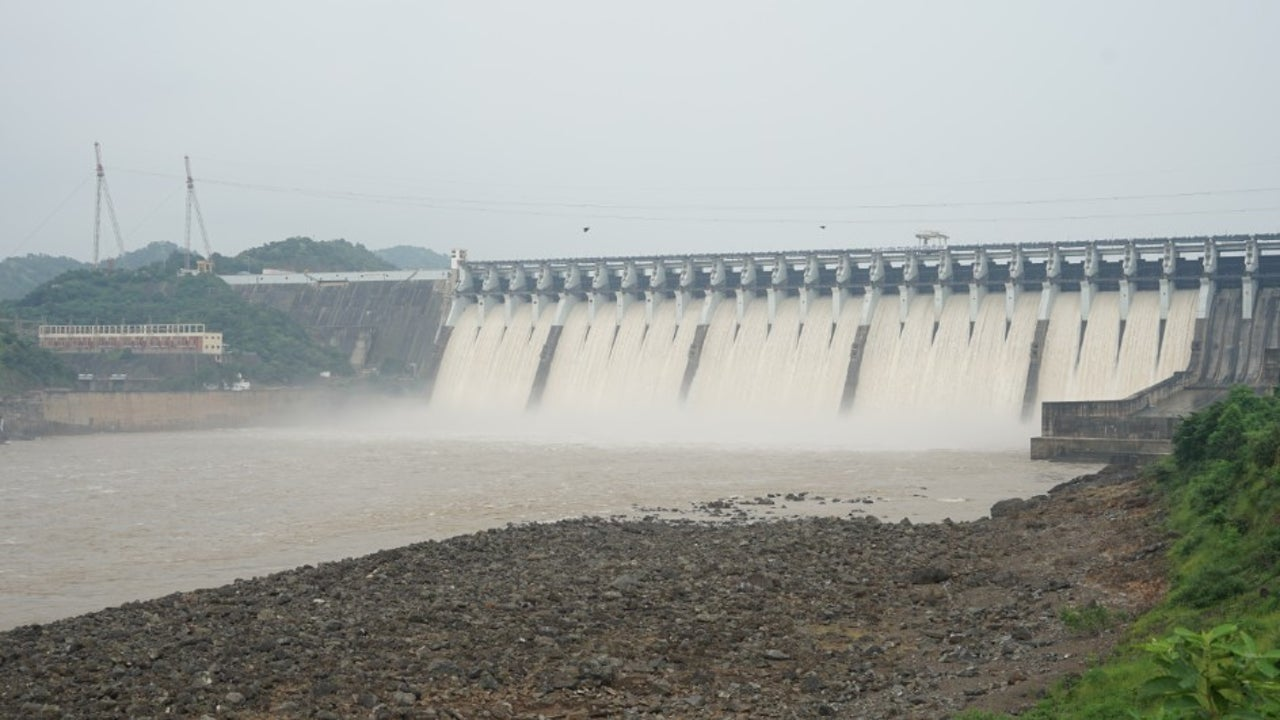 As on September 19, the 113 major Indian reservoirs monitored by the Central Water Commission (CWC) had a combined live storage of 144.179 billion cubic metres. This forms 85% of the full capacity of these reservoirs.