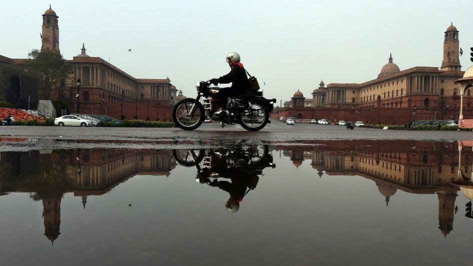 Delhi, Get Your Umbrellas Out: Light Rain, Hail Expected Till Thursday