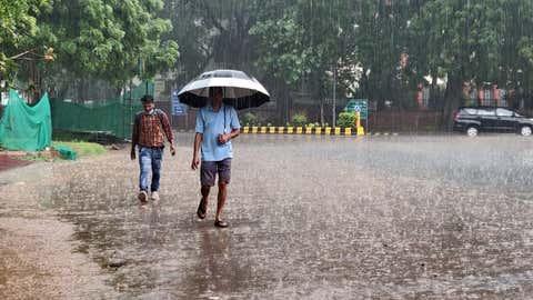 Rains over Delhi. (Anupam Gautam/IANS)