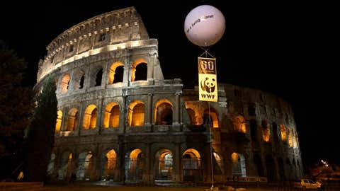 Earth Hour 2020 celebration at the Colosseum in Rome, Italy. (©G Marcoaldi/WWF-Italy)