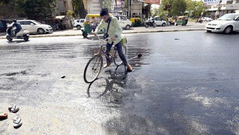 Heat Wave Hits Gujarat, Amraoti in Vidarbha Hottest at 42 2°C | The