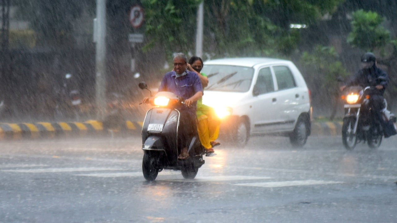Gujarat's Kathiawar Peninsula is likely to receive rainfall in excess of 400 mm over the next 3 days.