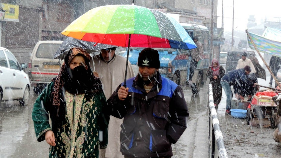 Kashmir Braces for Heavy Weekend Snowfall