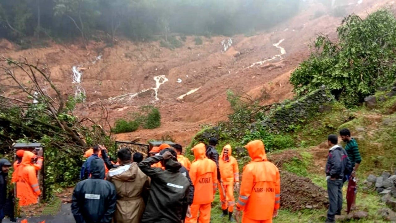 A 200-member team of Kerala police and other teams from the NDRF, fire brigade, local people and volunteers have reached the spot for rescue work.