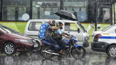 File photo: Commuters travel amid rainfall in Kolkata, West Bengal (Amit Moulick/TOI, BCCL, Kolkata)