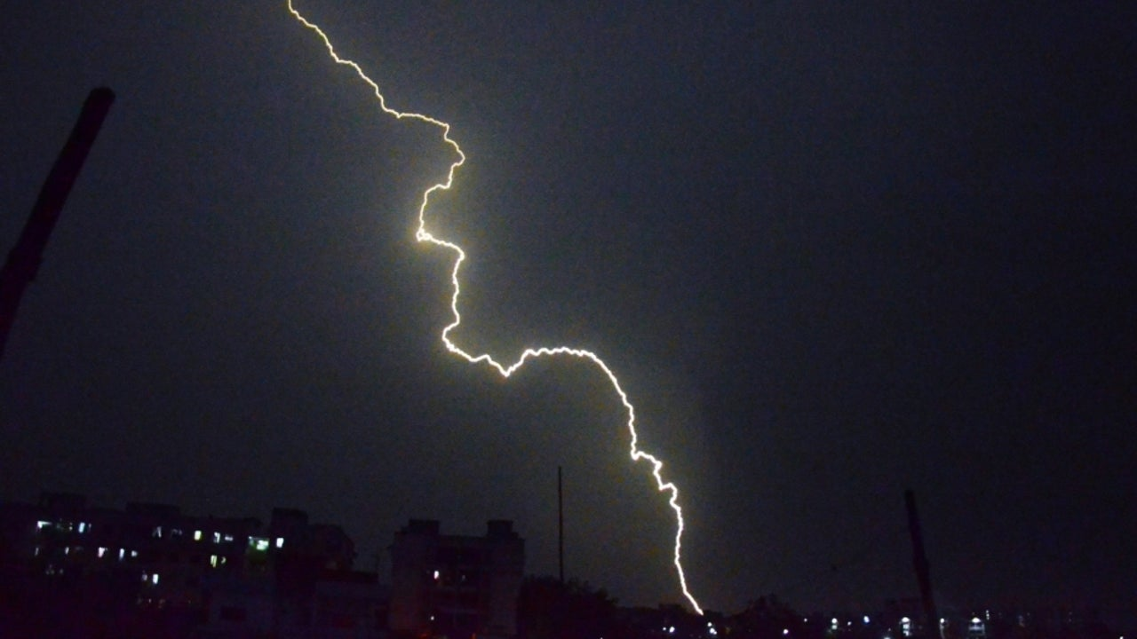 Fresh lightning strike in Bihar rises the death toll to 17, with five of them reported dead in the state capital on Thursday.