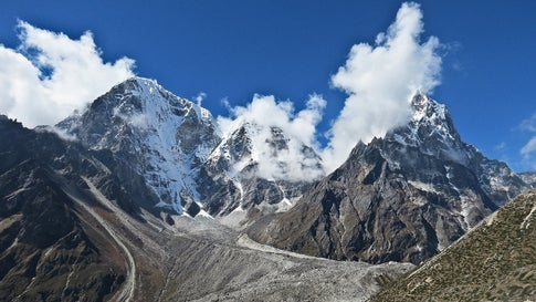 Nepal, China to Remeasure Height of Mount Everest