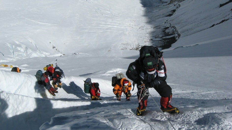 Melting Everest Glaciers Throw up Climbers' Bodies
